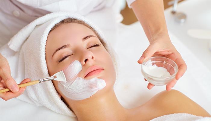 Tratament de modelare a musculăturii faciale cu Thermal Mask – Dr Spiller